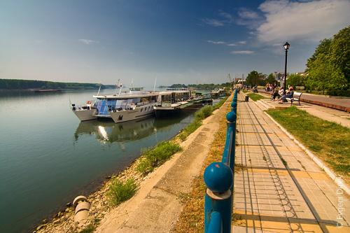 изглед към река Дунав от Крайградската градина