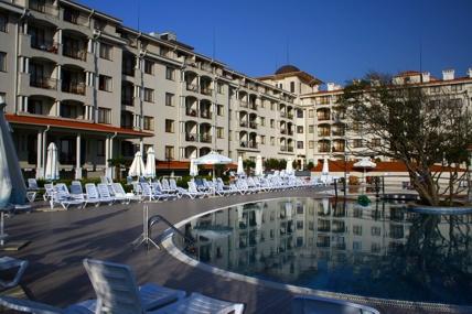 хотел Серинити Бей